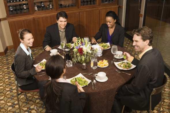 internationales Geschäftsessen, Restaurant, small talk